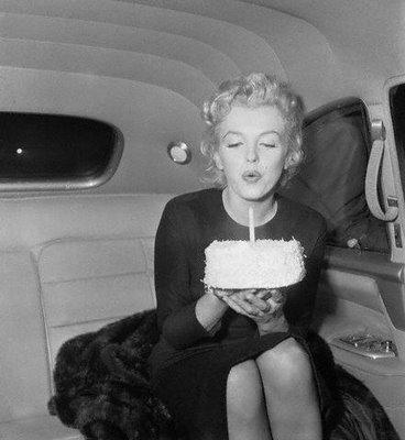 birthday_marilyn_monroe_cake-anniversaire-www.jesuislinsolente.com