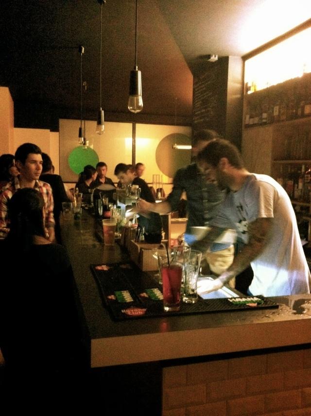 gossima-ping-pong-bar-paris-3-www.jesuislinsolente.com