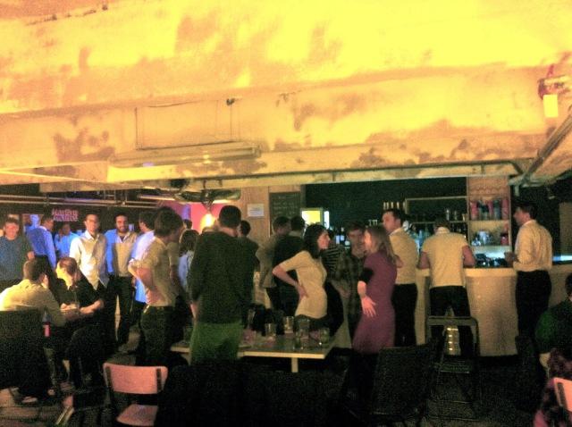 gossima-ping-pong-bar-paris-5-www.jesuislinsolente.com