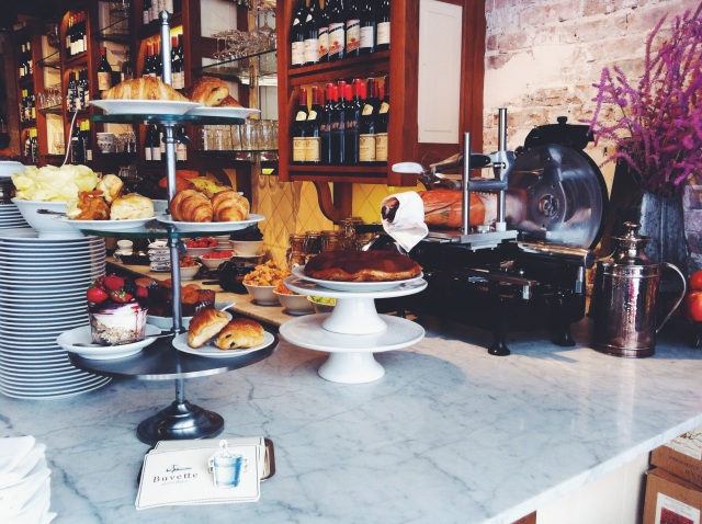 Buvette_paris_nyc_brunch_french_toast_coffee_shop_linsolente_1