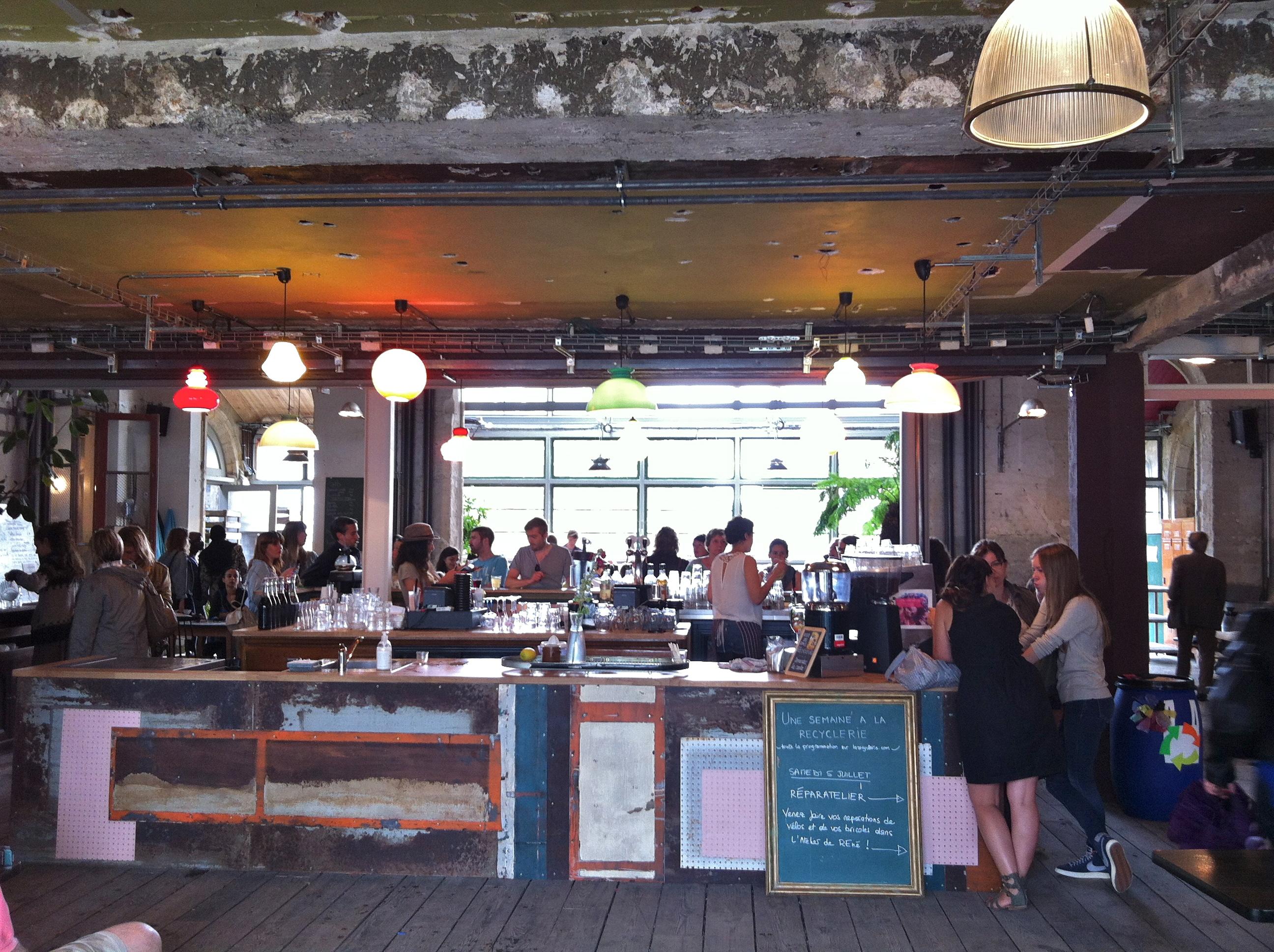 L pour la recyclerie un air de berlin paris l 39 insolente - Restaurant africain porte de clignancourt ...