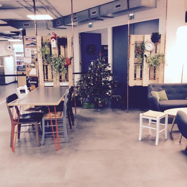 l-anti-cafe-coffee-shop-cafe-coworking-coworkspace-paris-linsolente-10
