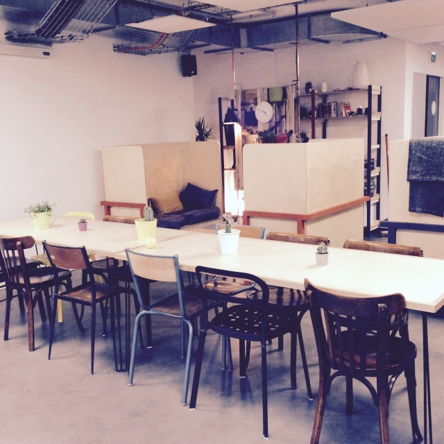 l-anti-cafe-coffee-shop-cafe-coworking-coworkspace-paris-linsolente-8