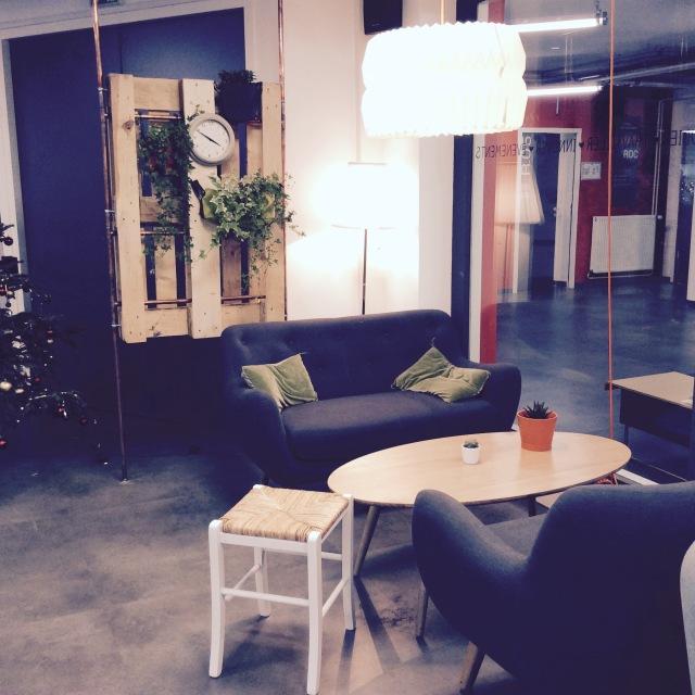l-anti-cafe-coffee-shop-cafe-coworking-coworkspace-paris-linsolente-9